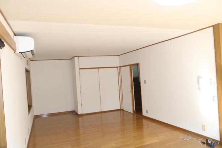 LDK 仕切りすると6帖の部屋ができます。