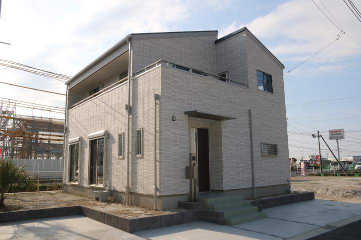 木更津市 高柳 リビング階段のある新築住宅