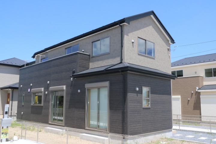 木更津市 高柳 クローク豊富な間取り、P三台のある新築住宅