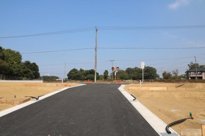 南側から北側への 6m道路