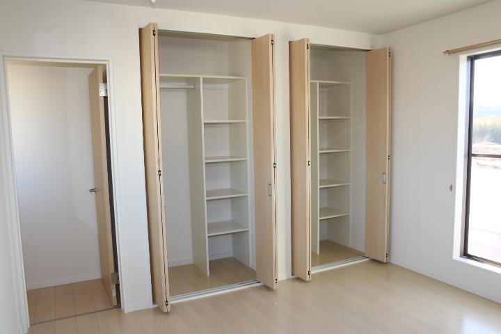 洋室 8帖 収納スペースが豊富